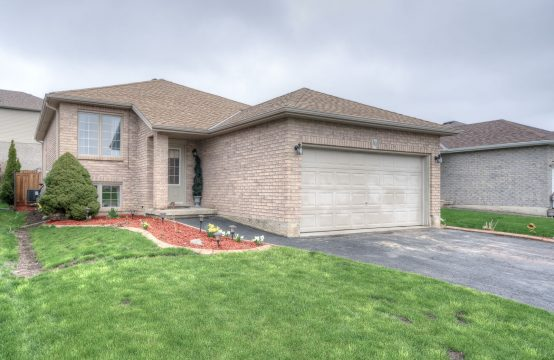 10 BRADLEY LANE, Brantford, ON
